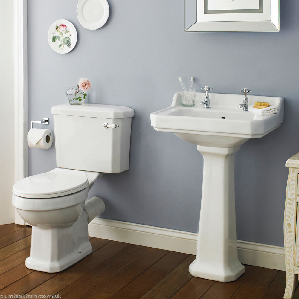 Traditional Pedestal Sink Basin Amp Close Coupled Toilet